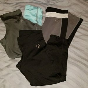 AE cropped workout pants